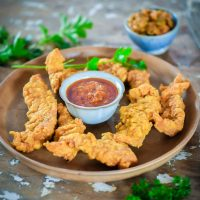 Chicken Pakora with dipping sauce